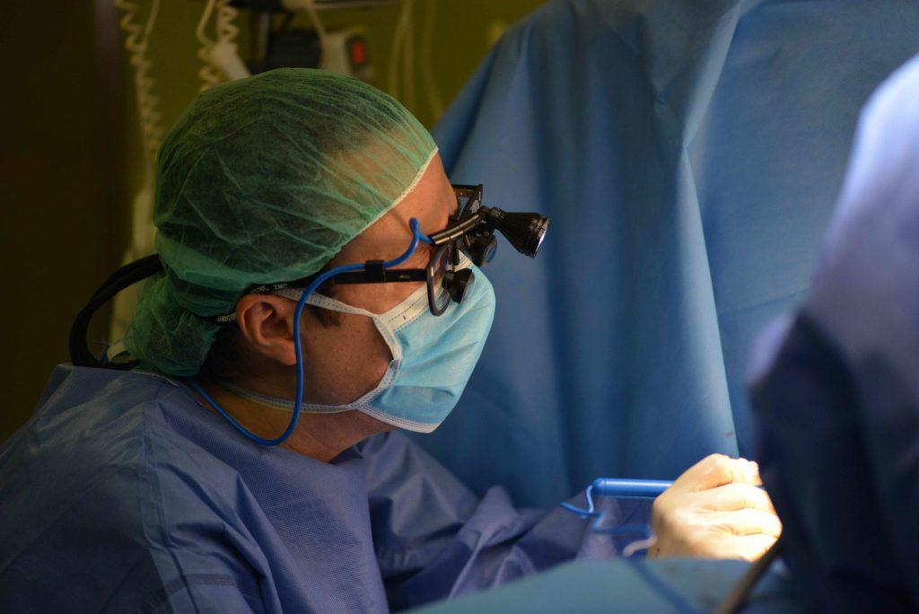Manos cirujano plástico Antonio Díaz Gutiérrez.