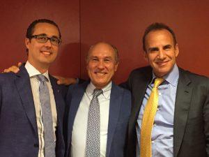 El Dr. Antonio Díaz Gutiérrez junto con el Dr. Vicente Paloma y el Dr. Manuel Sánchez Nebreda,.