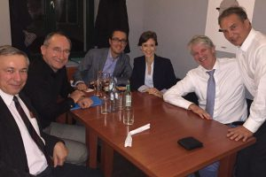 Con la Dra. Sofía Ruiz Cueto y los delegados franceses y belgas de AENOR.